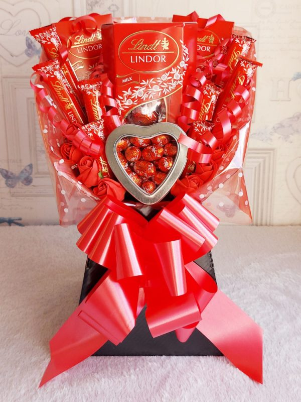 Lindor Chocolate Bouquet - Black & Red Finish